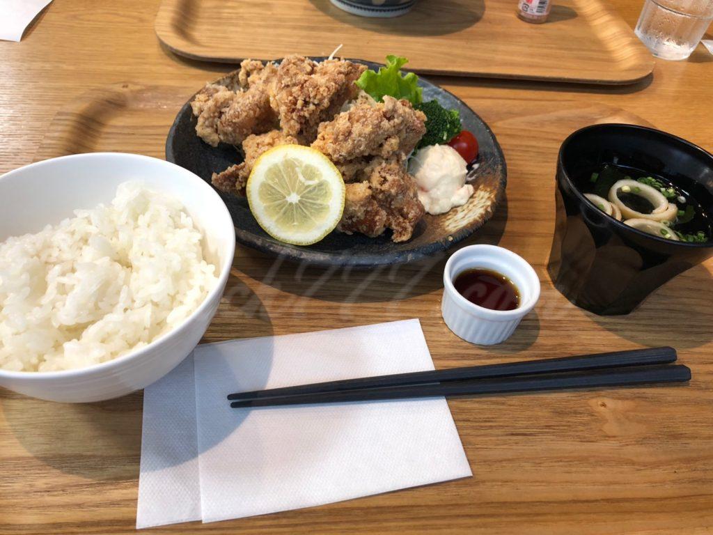 シーダイナーの唐揚げ定食